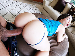 Hot and sexy real state agent Cassidy Klein deepthroats a gigantic cock